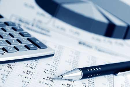 個人事業主が青色申告を始めるには承認申請書と事業の開業届けが必要